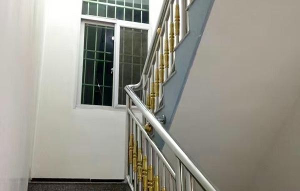 不锈钢楼梯装饰